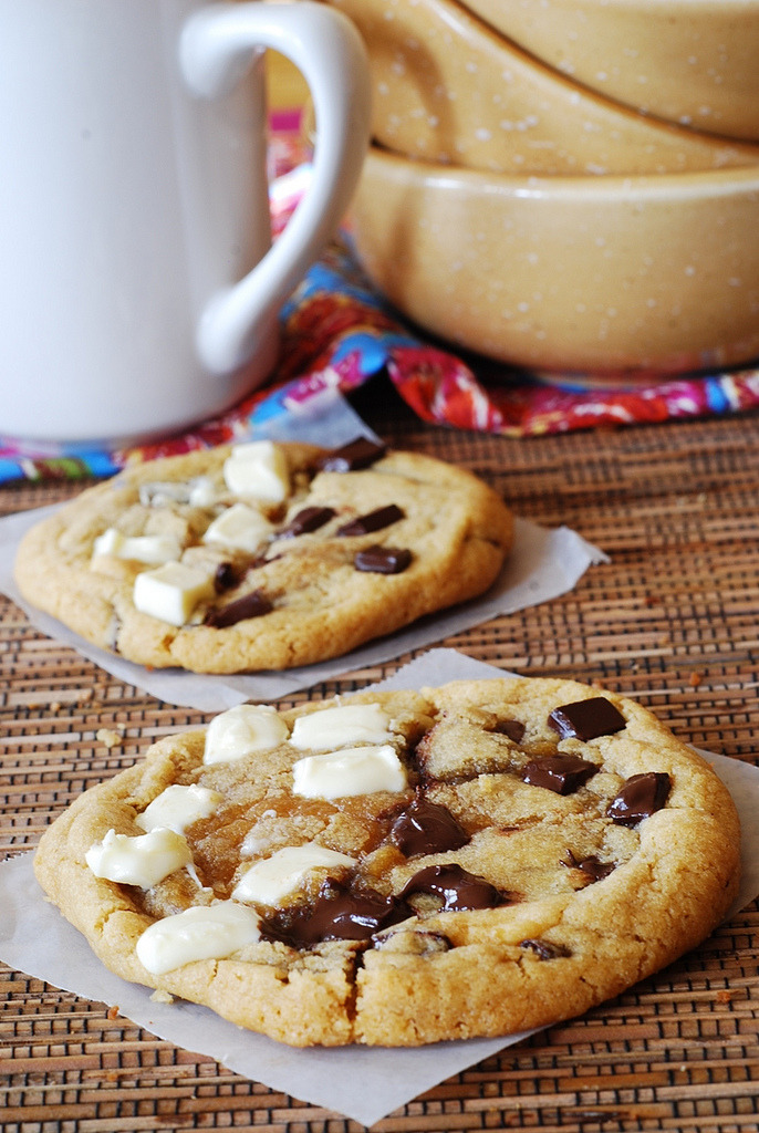 Recipe: White and Normal Chocolate Chip Cookies