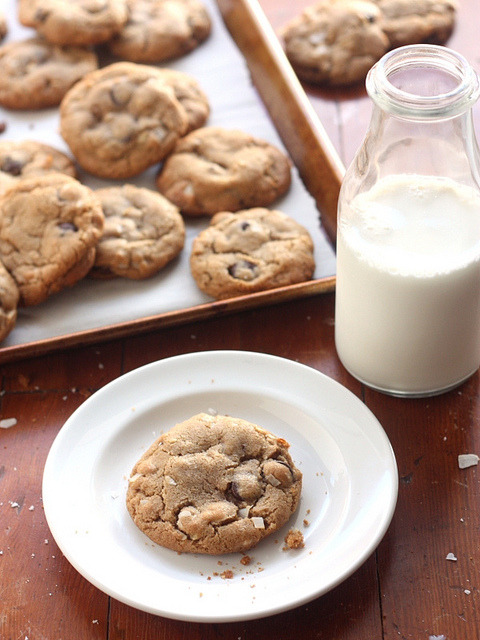 Coconut Oil Chocolate Chip Cookies by Completely Delicious on Flickr.